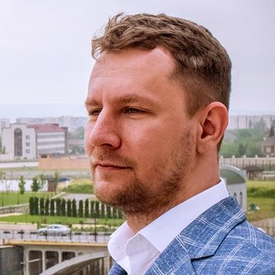 Олег Шаломанов